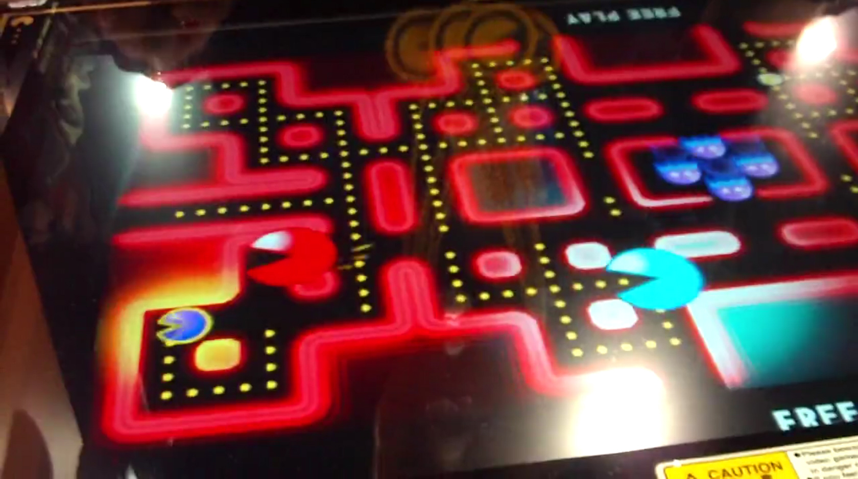 4 player pacman game