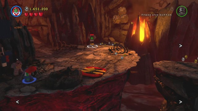 Lego Batman 3 Red Brick 12: Festive Hats Location